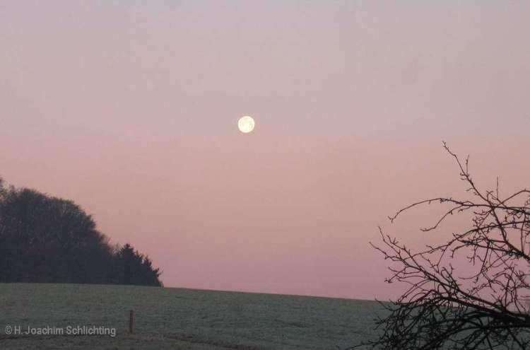 Mond in Gegendämmerung